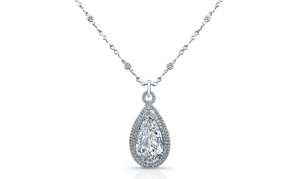 frontview gold whitegold white bezel necklace platinum set diamond round station